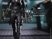 black-widow-hottoys-01