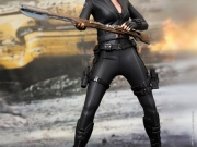 black-widow-hottoys-07
