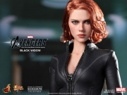 black-widow-hottoys-12