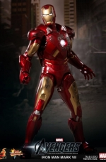 iron-man-hot-toys-03