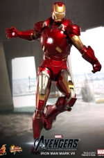 iron-man-hot-toys-04