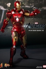 iron-man-hot-toys-05