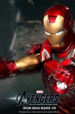 iron-man-hot-toys-08