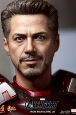 iron-man-hot-toys-10