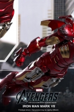 iron-man-hot-toys-15