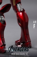 iron-man-hot-toys-17