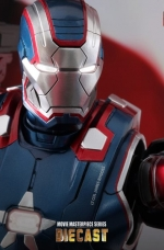 iron-patriot-iron-man-3-hot-toys-11