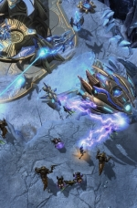 kerrigan-attacks-a-protoss-spacecraft