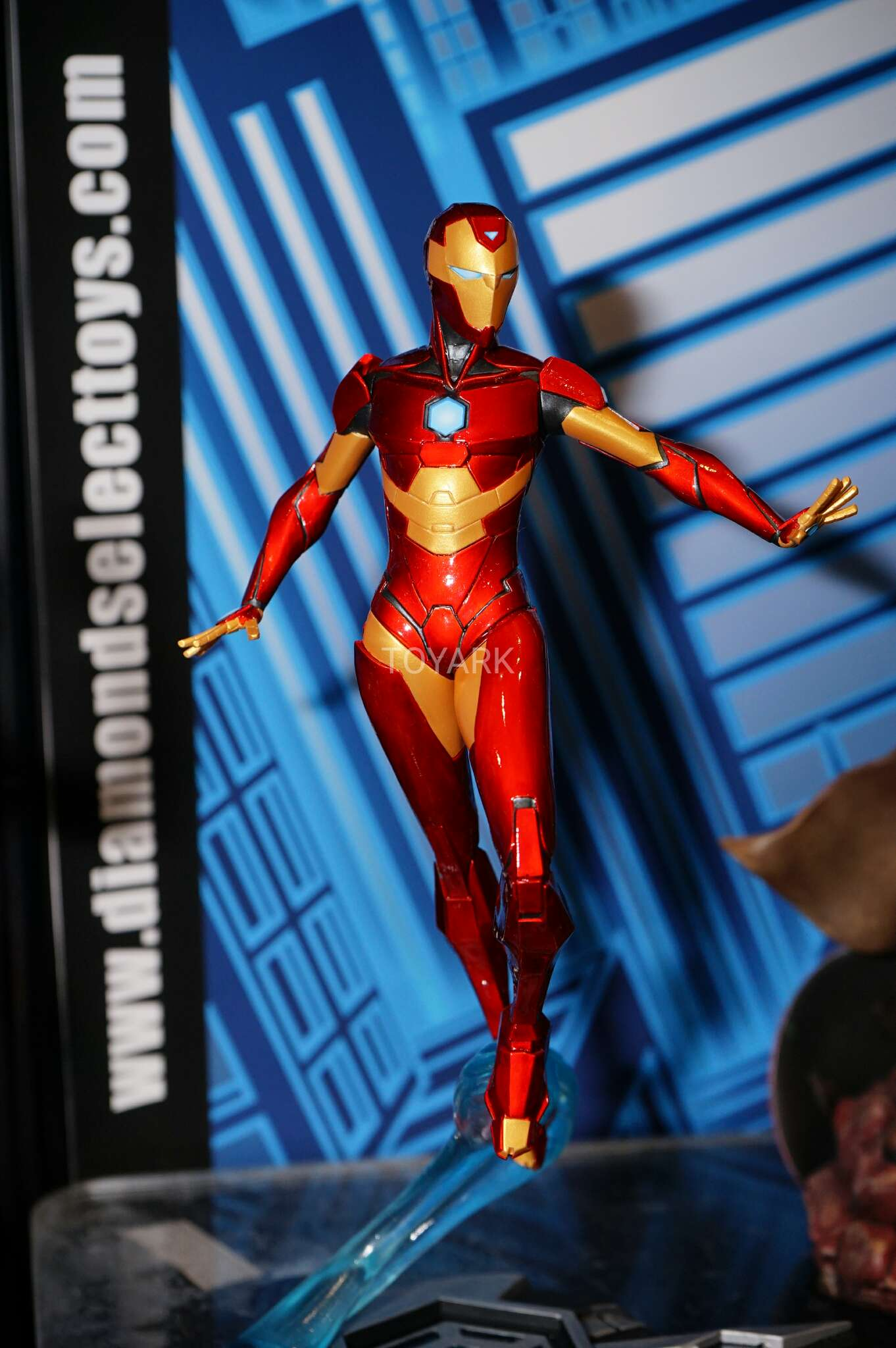 Toy Fair 2017: As melhores fotos do evento - Blog Farofeiros - Diamond Select - Iron Heart - Riri Wiliams
