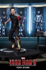 tony-stark-iron-man-3-hot-toys-02