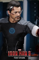tony-stark-iron-man-3-hot-toys-06
