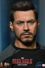 tony-stark-iron-man-3-hot-toys-13