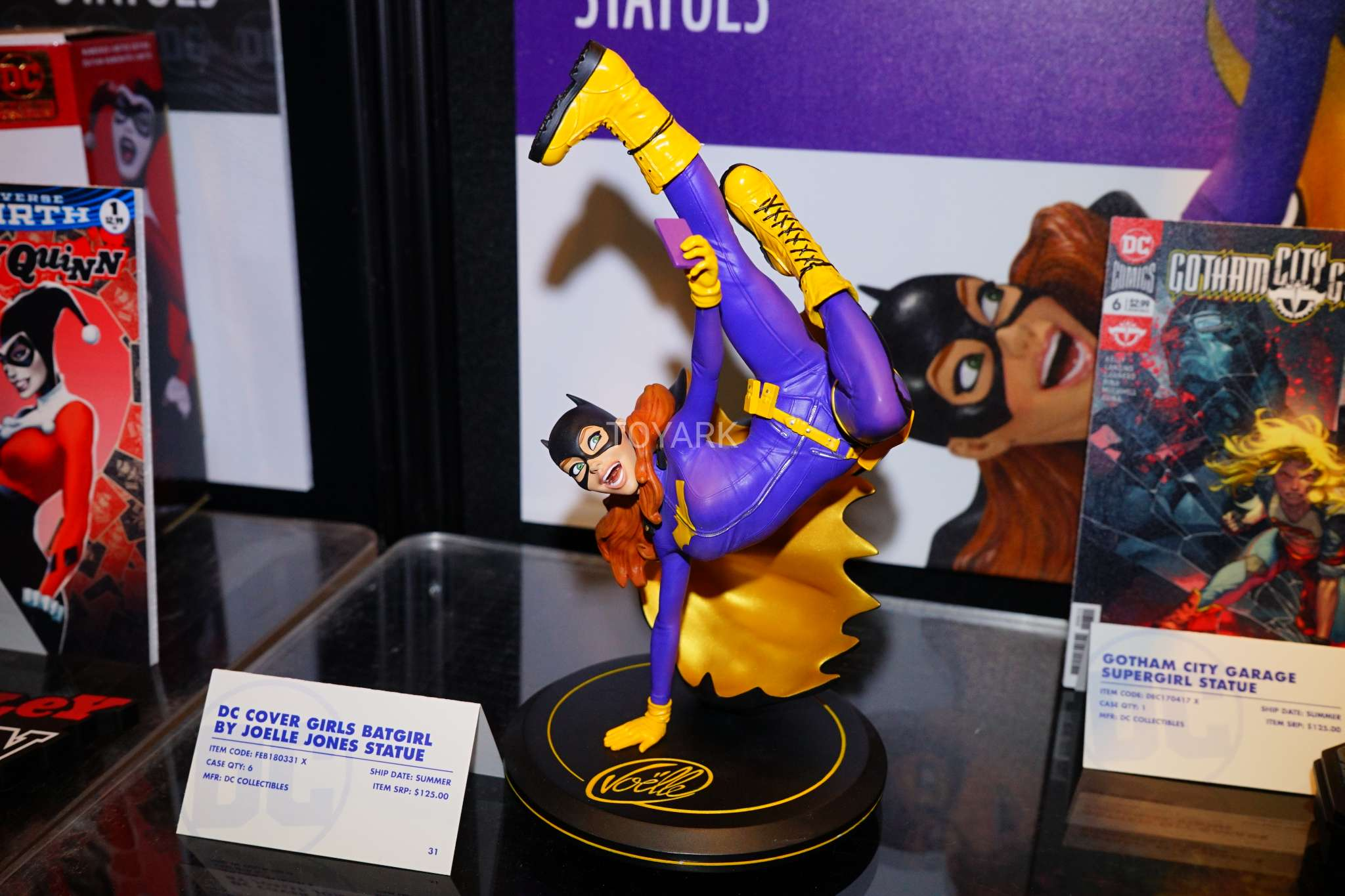 Toy Fair 2018 - DC Collectibles - Batgirl
