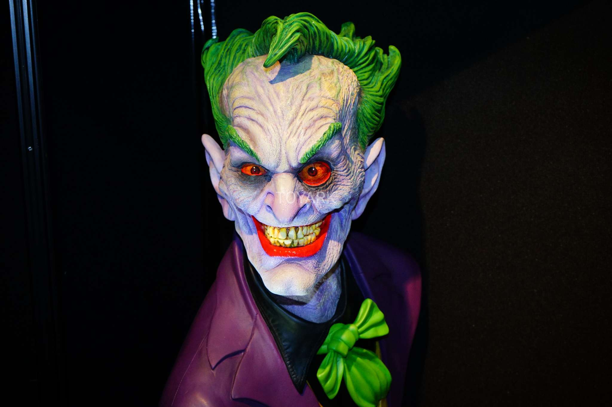 Toy Fair 2018 - DC Collectibles - Busto Coringa Duas Caras
