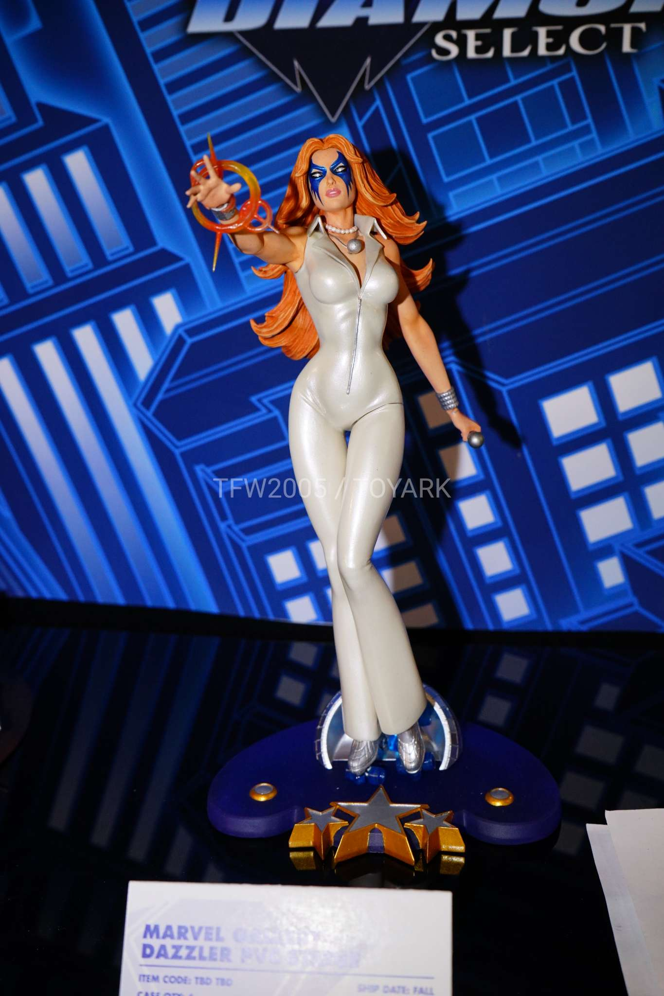 Toy Fair 2018 - Diamond Select - Dazzler