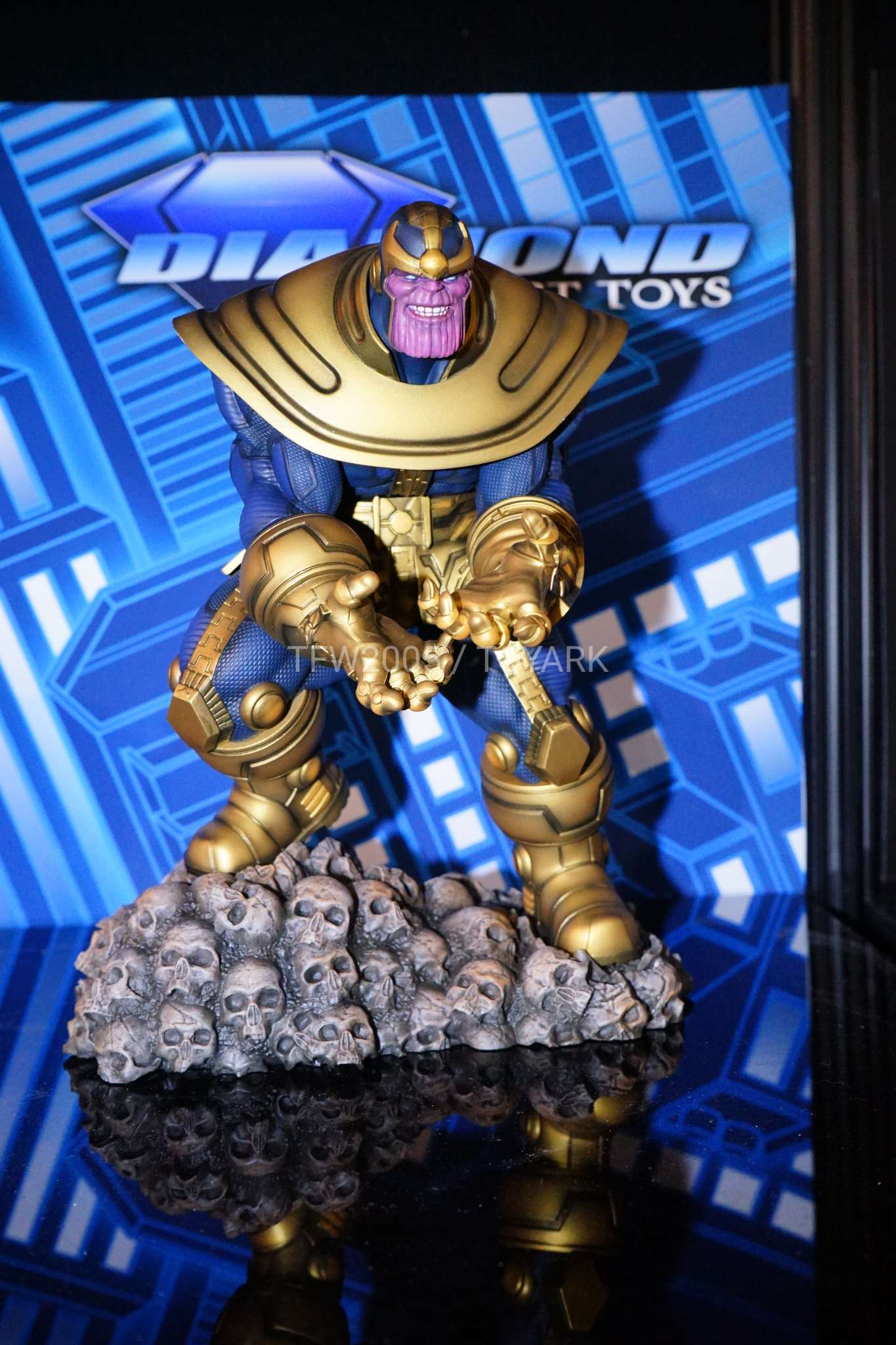 Toy Fair 2018 - Diamond Select - Thanos