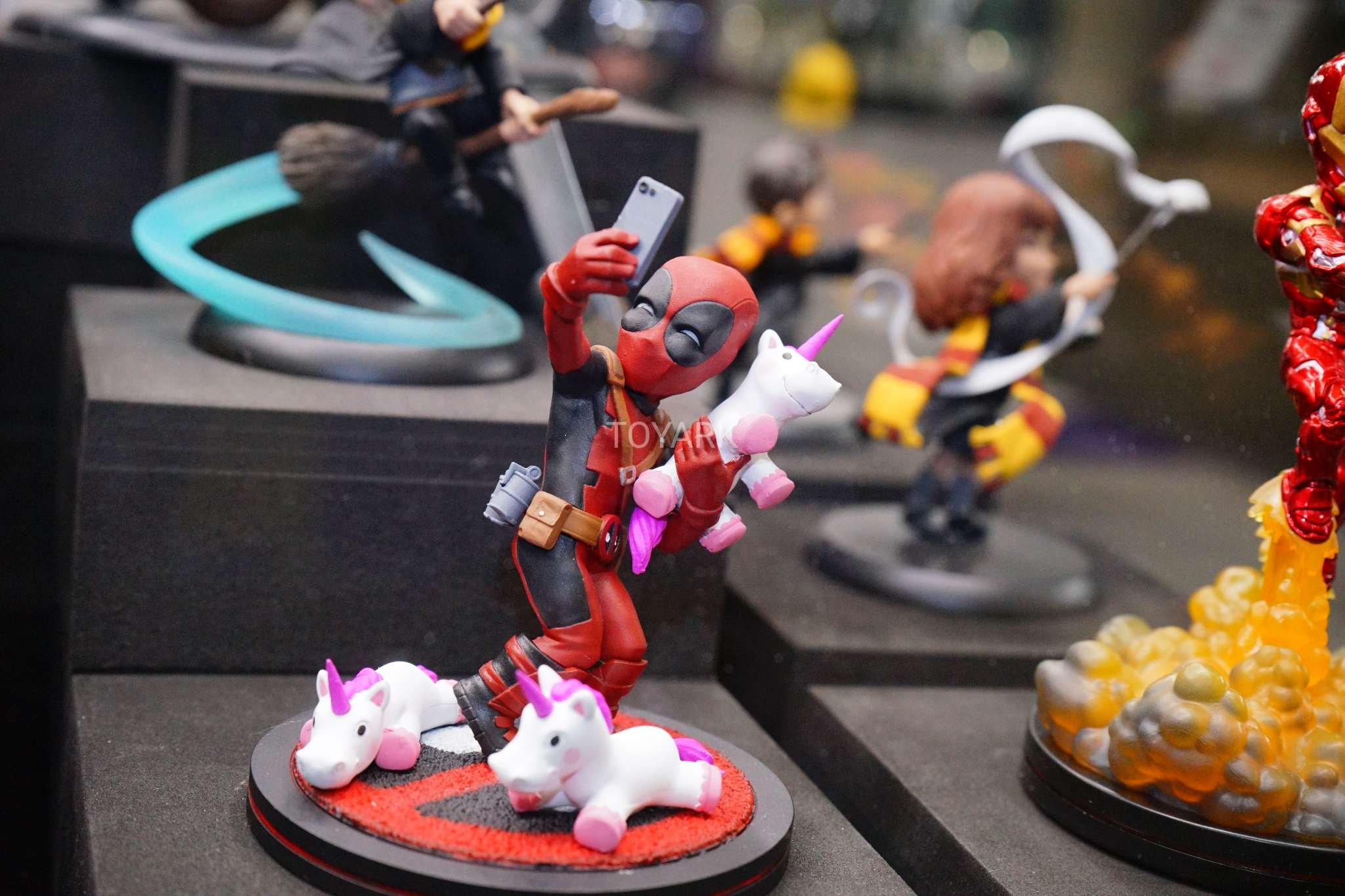 Toy Fair 2018 - Quantum Mechanix - Deadpool